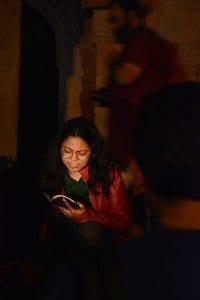 Pallavi reading Ishq mein Shehar hona by Ravish Kumar. Photo Courtesy: Ankit Gupta